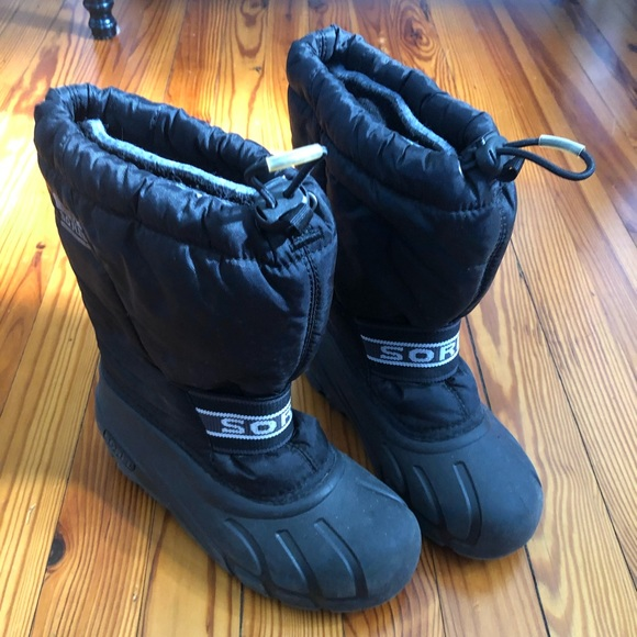 Boys Black Winter Snow Boots Lined Size